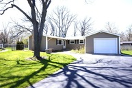 18165 West Avon Court Grayslake IL, 60030