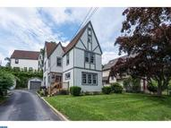 2422 Wynnefield Dr Havertown PA, 19083