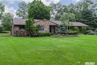 6 Kenwood Dr Saint James NY, 11780