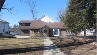 9822 Queen Oaks Dr Machesney Park IL, 61115