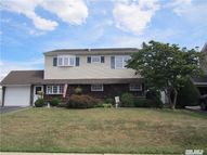 68 Swing Ln Levittown NY, 11756