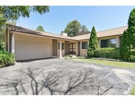 665 Lakeview Court Roselle IL, 60172