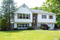 4 Apex Dr Coram NY, 11727