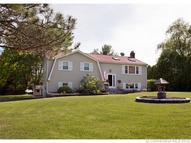 6 Carriage Ln East Granby CT, 06026