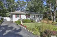 12 Sea Cliff Dr Sound Beach NY, 11789