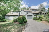 21 Fair Ridge Ct Wayne NJ, 07470
