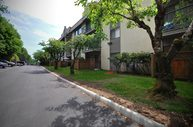 Wellesley Manor Apartments Abbotsford BC, V2S 3M8