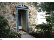 211 Valley Stream Ln Chesterbrook PA, 19087