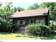 1087 Lakeview Dr Mohnton PA, 19540