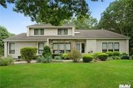 17 Riesling Ct Commack NY, 11725