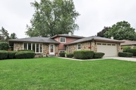 419 Valley View Drive Downers Grove IL, 60516