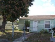 817 W 4th St Riviera Beach FL, 33404