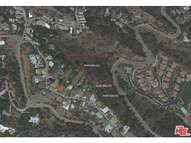 6901 Mulholland Dr Los Angeles CA, 90068