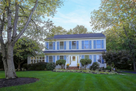27 Crest Dr Basking Ridge NJ, 07920