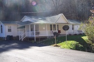2264 Little Fox Rd Vansant VA, 24656