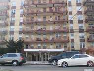 95-20 222nd St Queens Village NY, 11429
