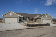 472 Woodfield Circle Waterford WI, 53185