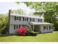 12 Red Stone Dr Weatogue CT, 06089