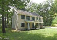 102 Yugette Ct Dingmans Ferry PA, 18328