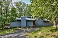 3521 High Crest Rd Canadensis PA, 18325