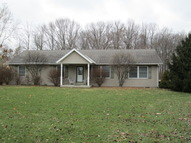 1027 E Cr 650s Versailles IN, 47042