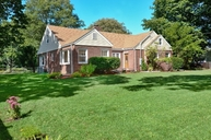39 Colonial St East Northport NY, 11731