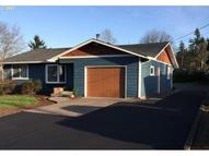 818 Brighton Ave Oregon City OR, 97045