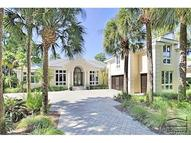843 Barcarmil Way Naples FL, 34110