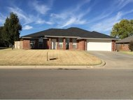 1401 Steiner Weatherford OK, 73096