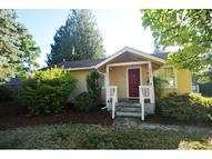 1316 N Locust St Canby OR, 97013