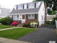 97 Shields Ave Williston Park NY, 11596