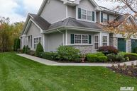 73 Willow Wood Dr Setauket NY, 11733