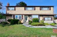 122 Burlington Ave Deer Park NY, 11729