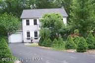 100 Ravenhill Road Tamiment PA, 18371