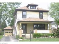 414 South Center St Newton Falls OH, 44444