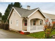 5209 Ne Simpson St Portland OR, 97218