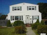 15 Manhattan Ave West Babylon NY, 11704