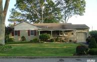 254 W Fourth St West Islip NY, 11795