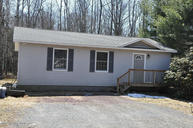 4 Squaw Rd Albrightsville PA, 18210