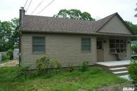 1415 N Saxon Ave Bay Shore NY, 11706