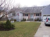 273 W End Ave Shirley NY, 11967