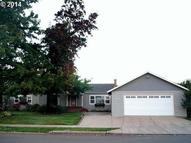 2166 N Locust St Canby OR, 97013