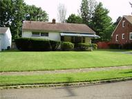 1961 Chaney Cir Youngstown OH, 44509