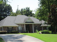 204 Pebble Beach Vicksburg MS, 39183