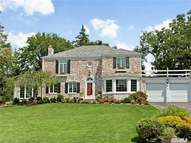 85 Sherry Hill Ln Manhasset NY, 11030