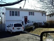 60 Noble St Brentwood NY, 11717