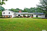 38 Salem Ridge Dr Huntington NY, 11743