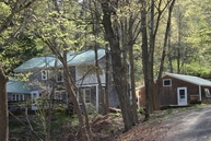 141 Peaked Mountain Rd Townshend VT, 05353