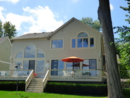 7930 Shady Beach Whitmore Lake MI, 48189