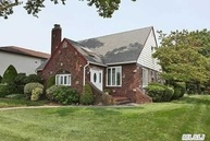 216 Lakeview Ave Malverne NY, 11565